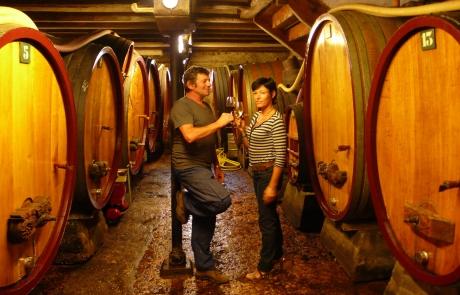 cave-en-foudres-en-chene-maison(gloeckler-brenner-vigneron-alsace